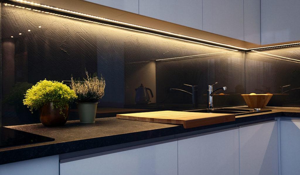 Glasmöbel Küche