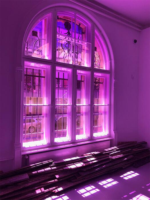 Transparent eingefärbte Folien für Kunstausstellung II