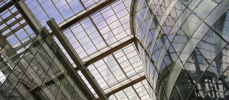 Paris   Architektur in Glas in La Defense