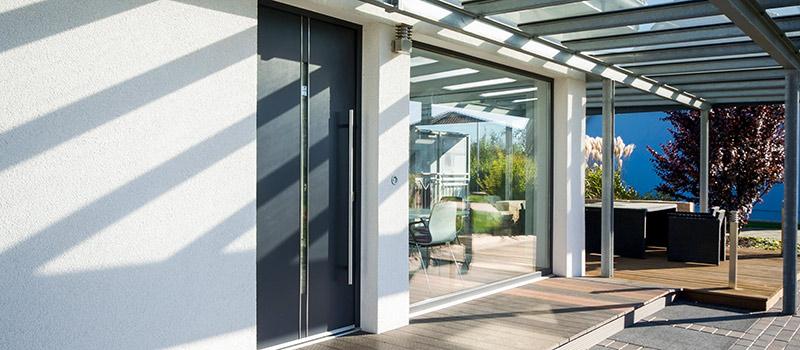 Sicherheitsfolien für große Fensterfront an einem Wohnhaus in Berlin