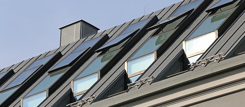 Dachfenster mit Sonnenschutzfolie von A-Z Glaserei & Folientechnik GmbH in Berlin